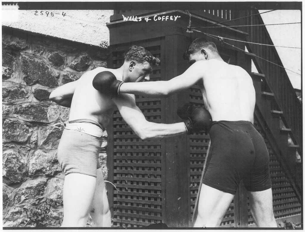 Coffey sparring with Wells